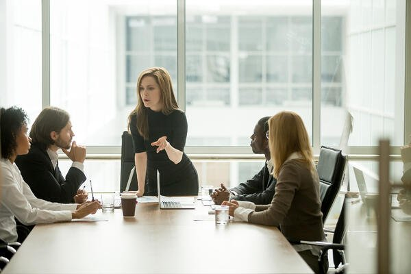 how to demonstrate leadership